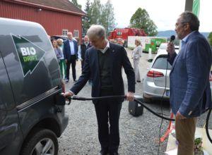 Åpnet landets første biodrivstoffstasjon