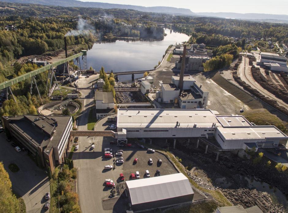 Treklyngen vil at det skal investeres i fremtidens skogindustri på tomta til Follum Fabrikker utenfor Hønefoss. Det nordiske energiselskapet St1 planlegger å produsere biodrivstoff på norsk skogsråstoff her.