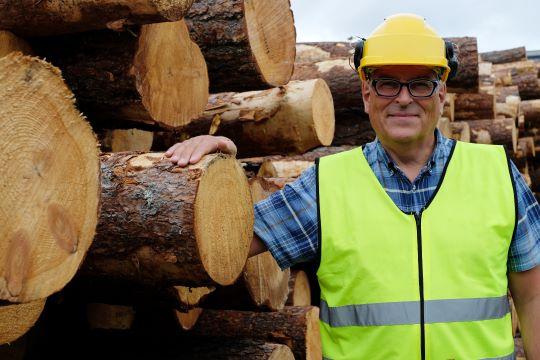 Røntgen sorterer tømmeret bedre, sier direktør Knut Berg i Moelven Våler AS. Foto: Magne Vikøren.